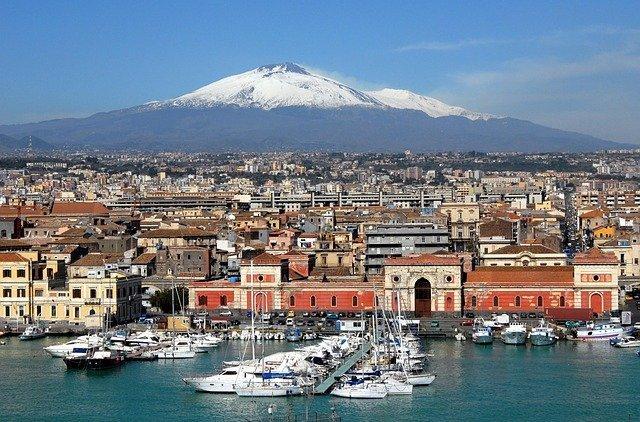 Dove dormire a Catania [ZONE MIGLIORI + HOTEL] - One More Trip