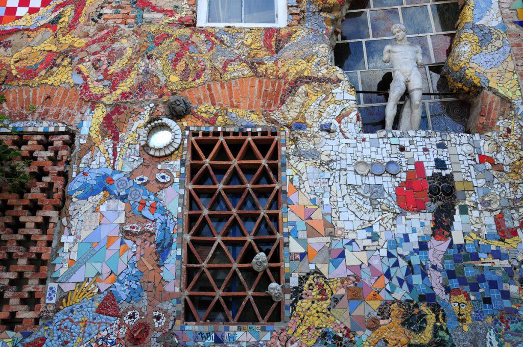 Dettaglio della street art di Metelkova